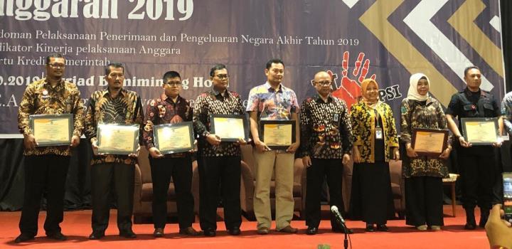 PTA Padang menerima Piagam Penghargaan dari KPPN Padang