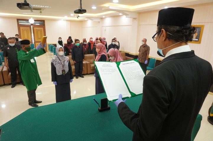 Pelantikan dan Pengambilan Sumpah Kasubbag TU & RT PTA Padang