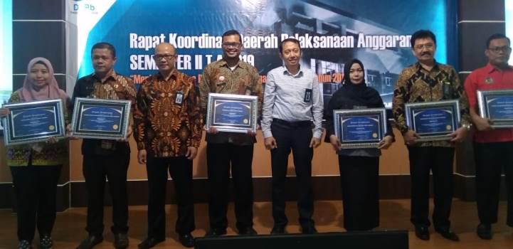 Pengadilan Tinggi Agama Padang Terima Penghargaan dari Kanwil Direktorat Jenderal Perbendaharaan Provinsi Sumatera Barat